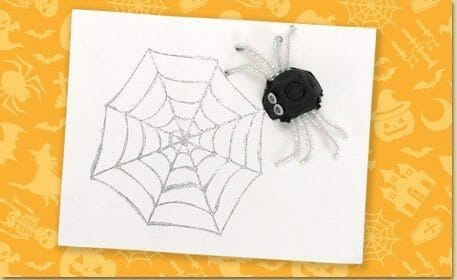 glitterweb mn Amazingly Awesome Halloween Pins {Kid Activities}