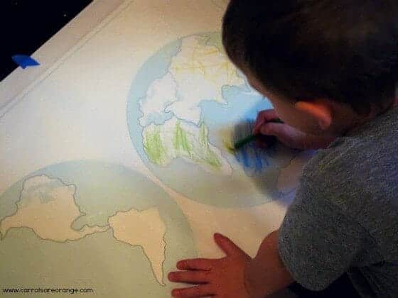 montessori continents tracing