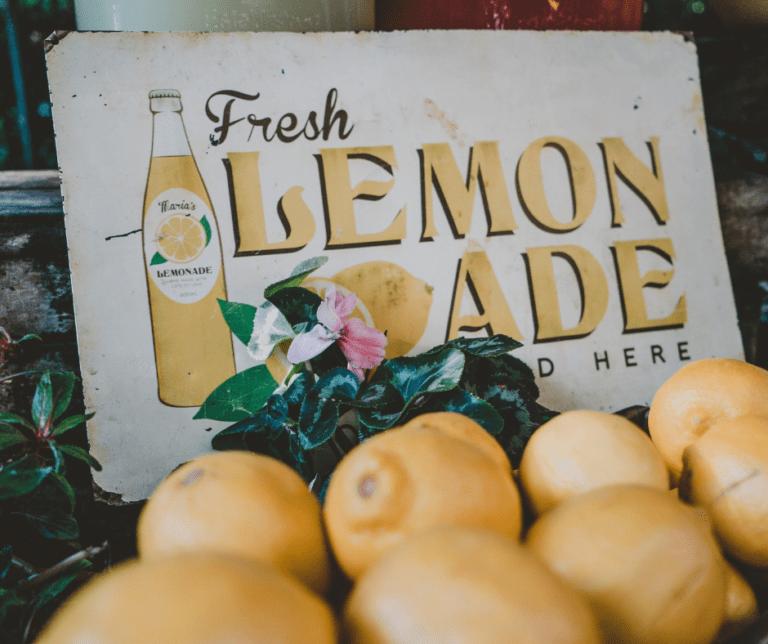 Ways for Kids to Make Money - Lemonade Stand