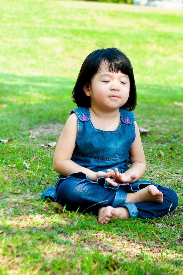 3 Effortless Mindfulness Meditation Exercises to Lower Stress