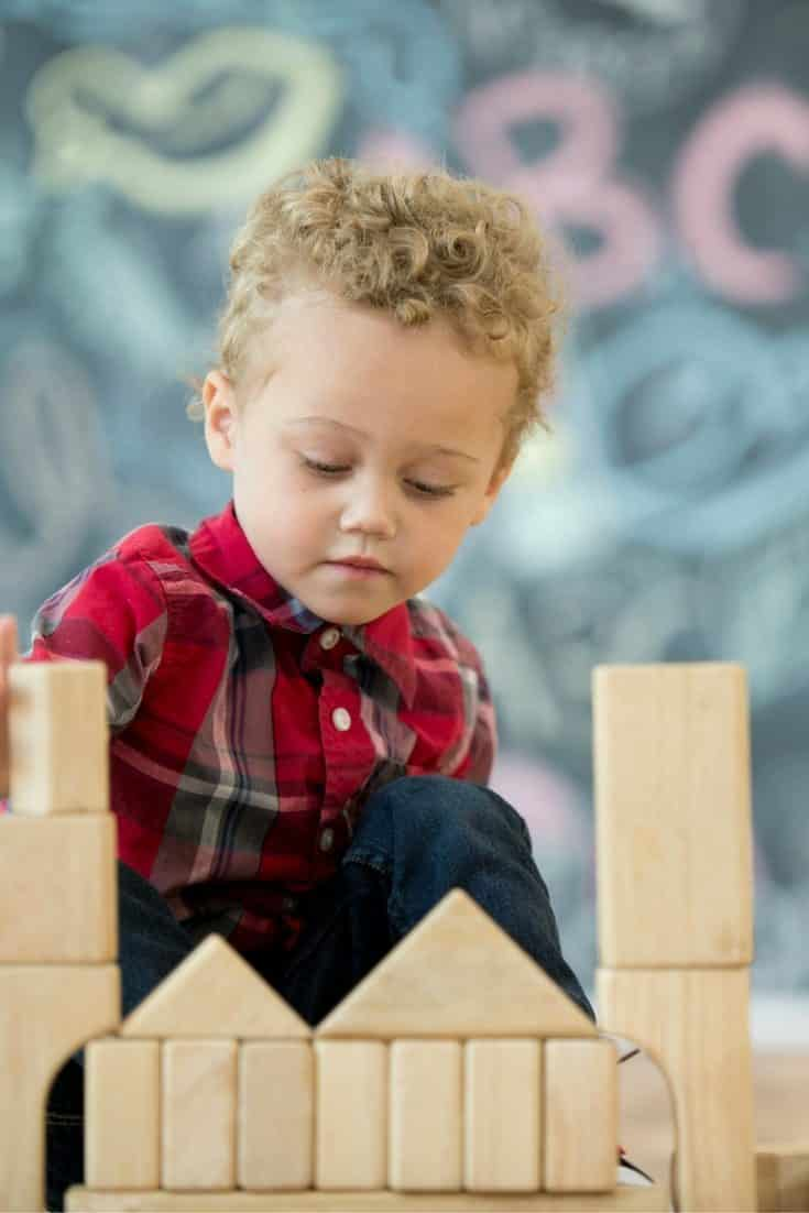Montessori Versus Traditional Education: Why Montessori Wins