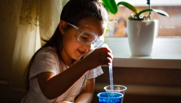Chemistry for Kids – Introduce Budding Scientists to Amazing Resources